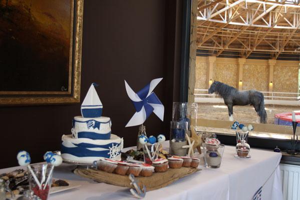 Laiveliu tema krikštynos tortas baltai mėlynas