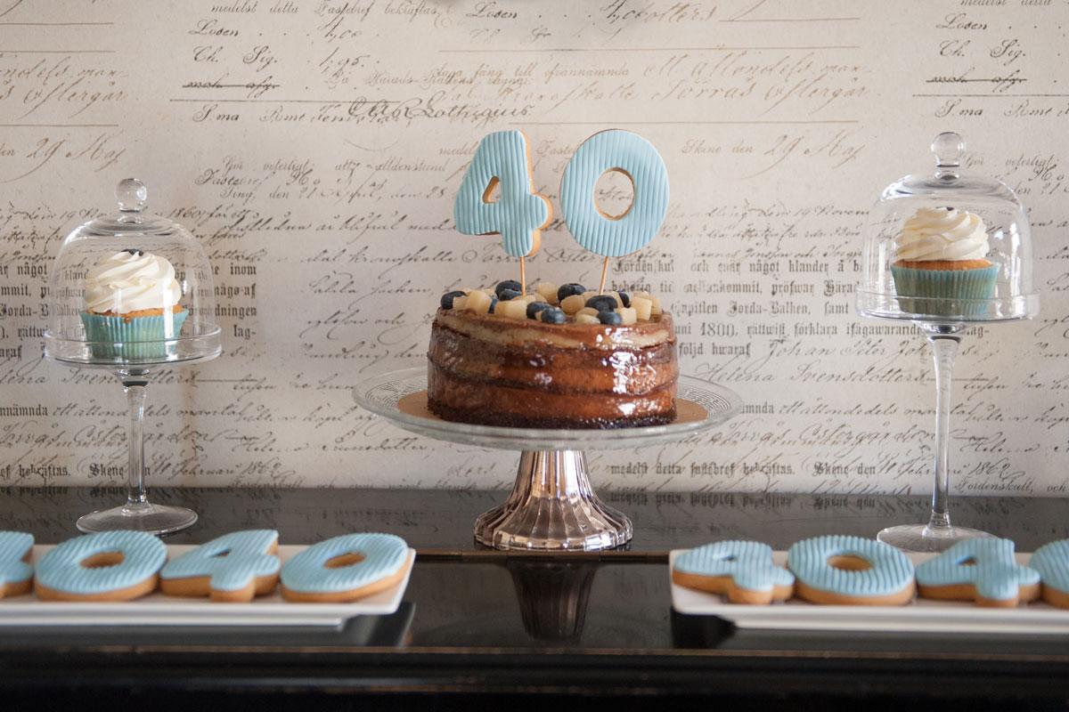40 gimtadienio saldus stalas