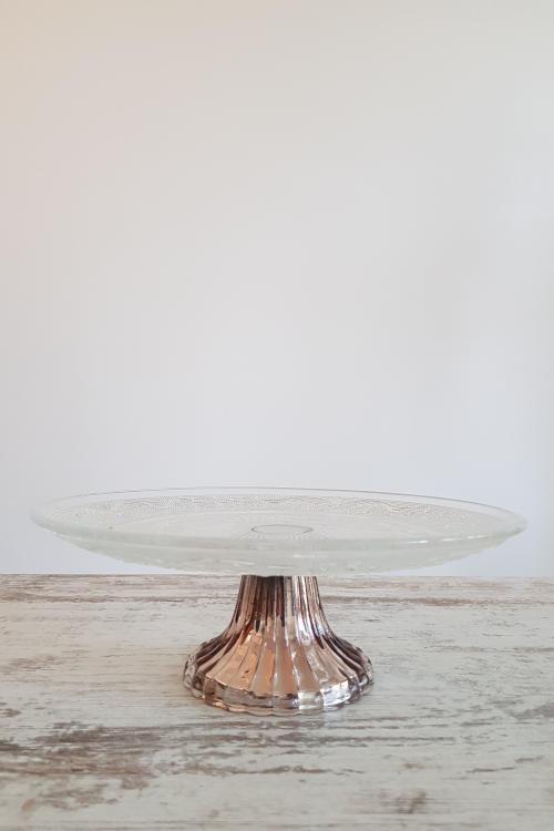 Stiklinės tortinės su blizgaus metalo sidabro spalvos kojelėmis - nuoma - Asta Deco